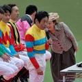 [070422東京13RジョッキーM]嬉しそうな河内さん。中野さんの目つきが怖い