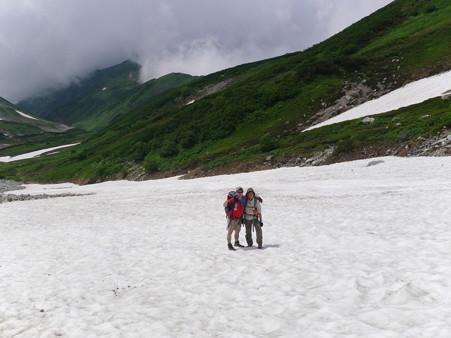 大走りの下の雪渓2010