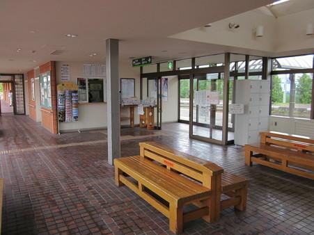 栗山駅舎4