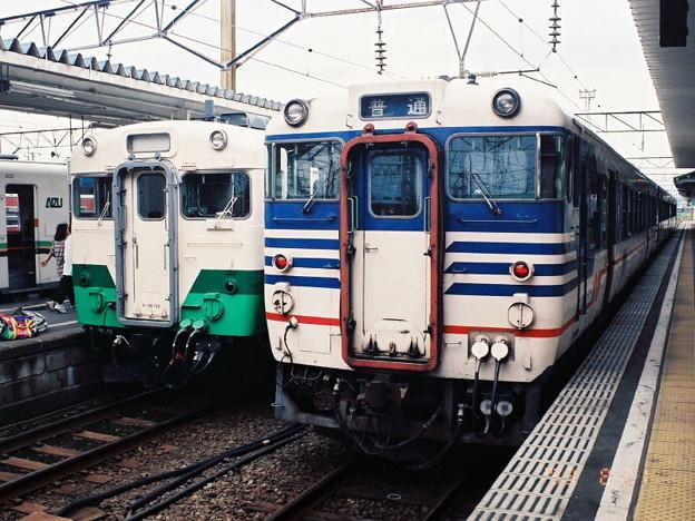 キハ58形とキハ47形