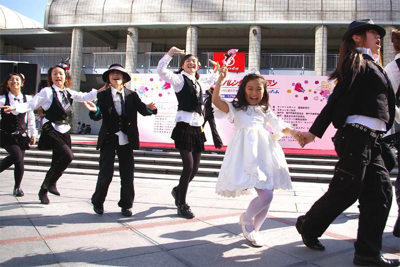 沖縄アクターズスクール「B.B.WAVES」