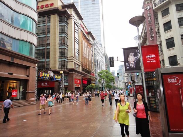 南京東路 歩行街 西側