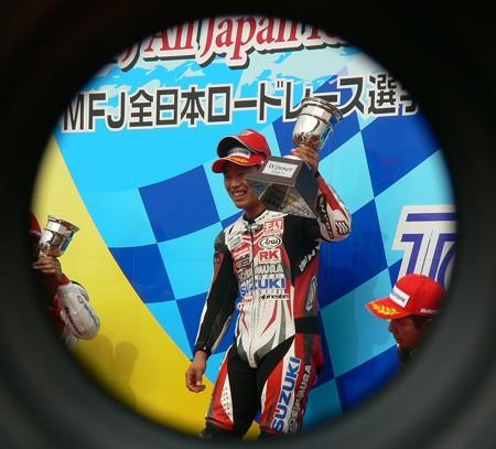 72 2013 12 津田 拓也 ヨシムラスズキレーシングチーム GSX_R1000 P1280014