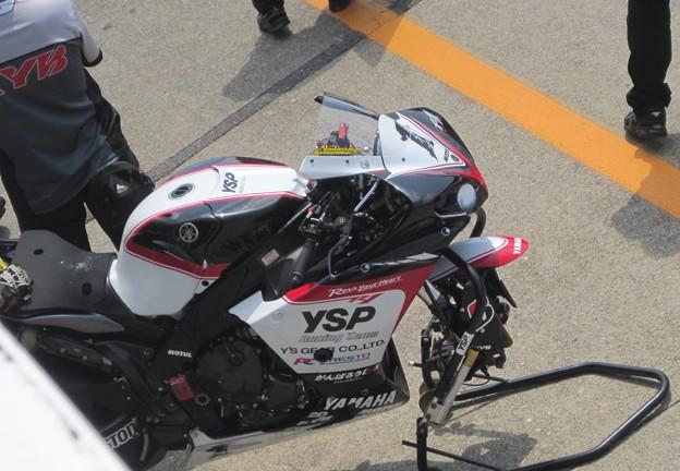 37 2013 1 中須賀克行 Katsuyuki Nakasuga ヤマハYSPレーシングチーム YZF-R1 IMG_1201