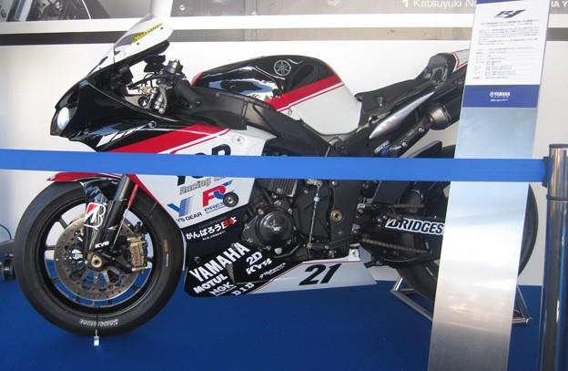 108 2013 1 中須賀克行 Katsuyuki Nakasuga ヤマハYSPレーシングチーム YZF-R1 IMG_4058