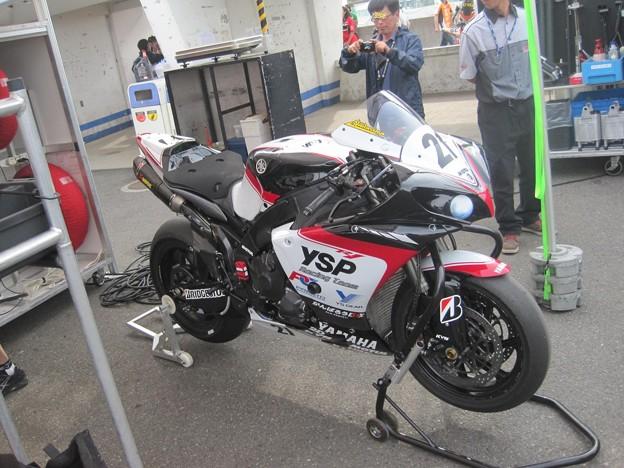 01_21_katsuyuki_nakasuga_2012_yzf_r1