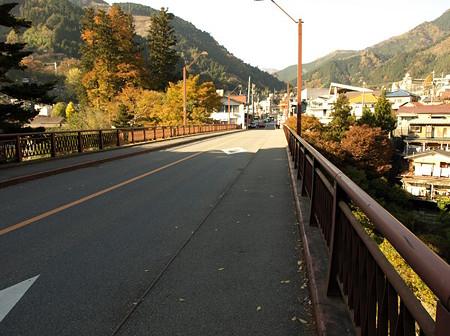 駅近くの橋