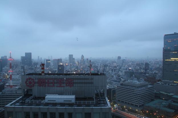 窓からの景色(4月30日から5月1日のインターバル撮影)5 5月1日