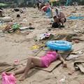 Photos: ゴミ捨て場か?な深圳の海水浴場(笑) (3)