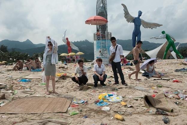ゴミ捨て場か?な深圳の海水浴場(笑) (6)