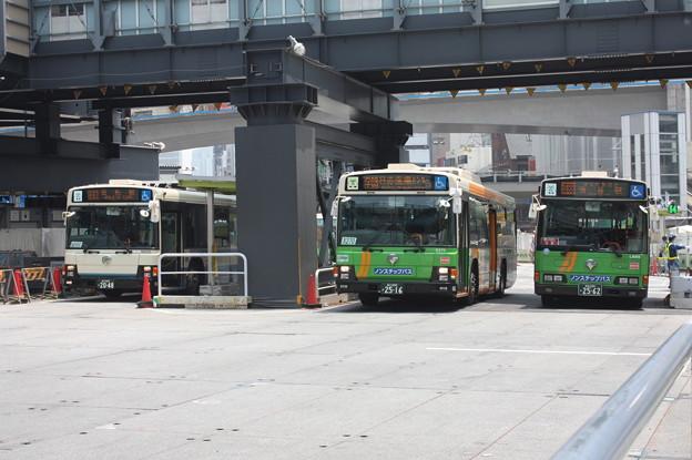 東京都交通局 復刻塗装と通常塗装