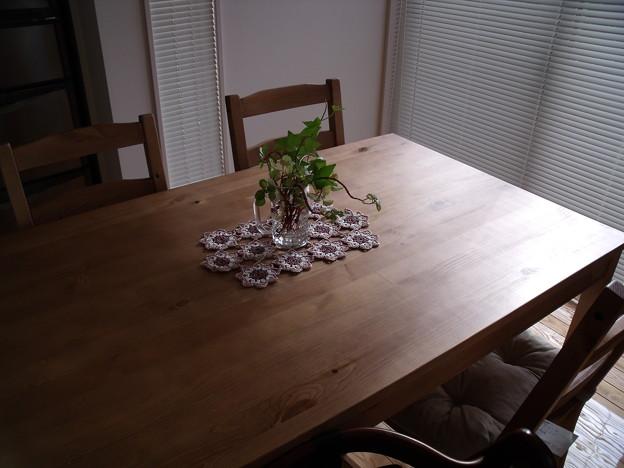 写真: ダイニングテーブル