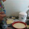 写真: 乳製品作り