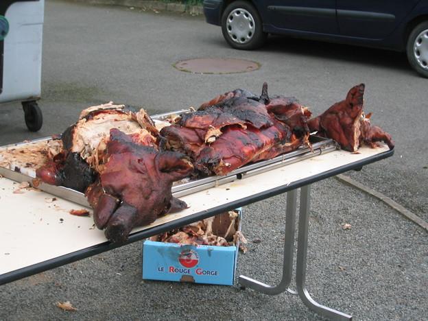 Photos: 豚の丸焼き