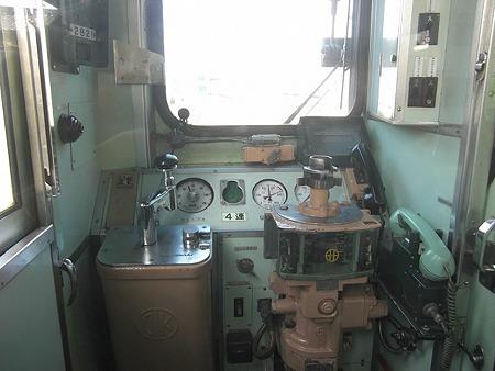 K2600運転台