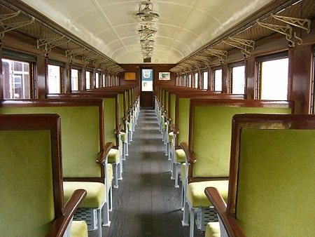 sakuma-旧客車内s