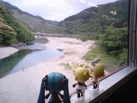 宗太郎→市棚間。宮崎県に入りました。 レン:「ホントにこの辺り、...