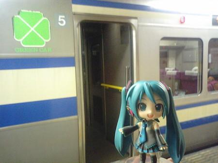ミク:「あともう1電車、頑張りましょ!」 ■品川  22:17 → 千葉  23...