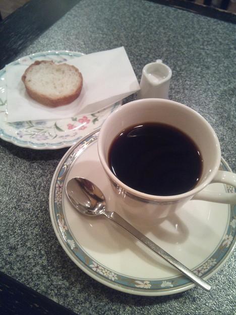 新宿のらんぷでコーヒー。一日に一回はコーヒー飲みたくなる(´・ω・`)