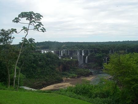 イグアスの滝にて