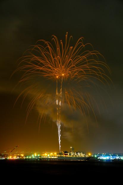 船と花火(fireworks)