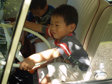 ぼく運転手♪