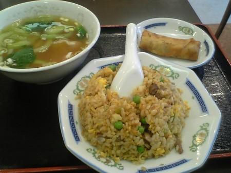 横浜 梅蘭 ランチ 牛肉とザーサイの炒飯
