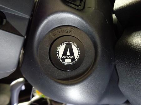 エアウェイブ 神奈川県 トヨタボタン後付プッシュスタート2取付 AQUAプレート
