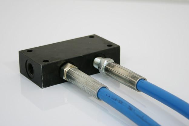 油圧継手 超高圧300Mpa分岐ブロック