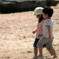 写真: 浜辺の仲良し