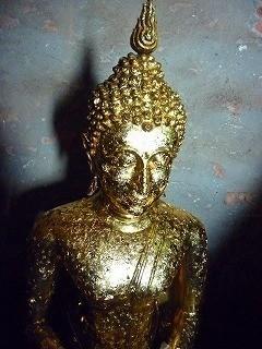 ワット・ヤイ・チャイン・モンコン仏像のひとつ