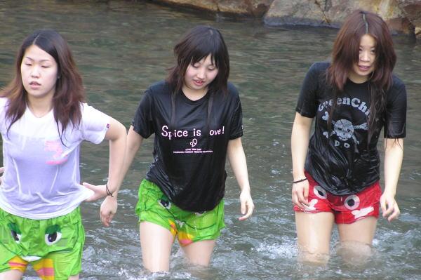 【WET】服のまま濡れた女の子8�g【総合】xvideo>2本 fc2>2本 YouTube動画>61本 dailymotion>1本 ->画像>357枚