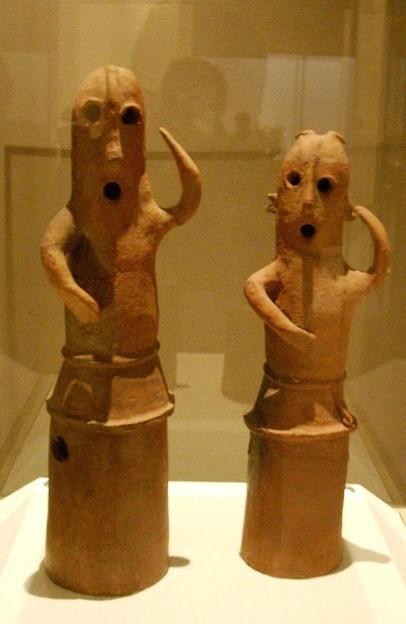 踊る人々(museum/0004)