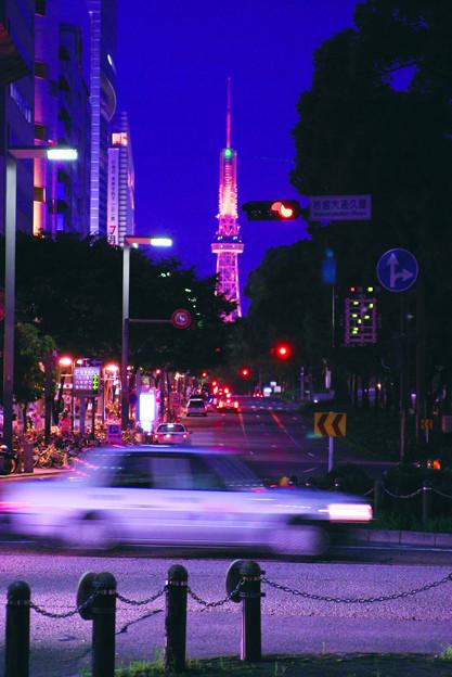 矢場町からテレビ塔を見た風景