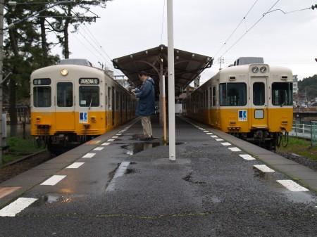 琴平駅は1面2線