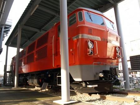 DD54型ディーゼル機関車、外国製のエンジンを積んでおり、保守が大変だったという