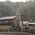Photos: 47 余部鉄橋での事故による犠牲者のための慰霊観音菩薩