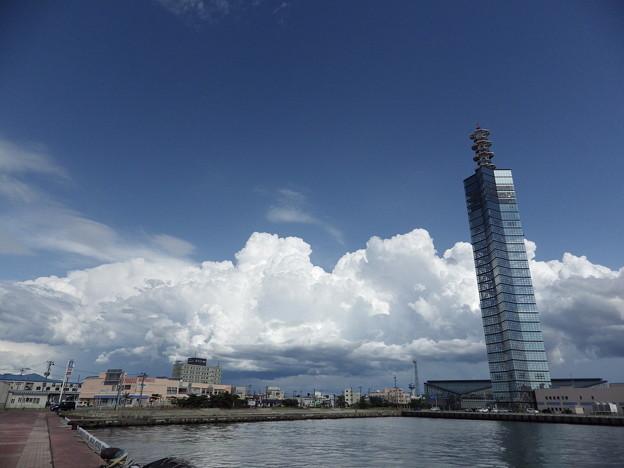 ポートタワー セリオン&夏雲
