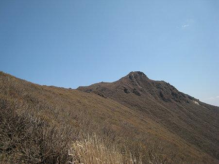 大船山山頂を望む