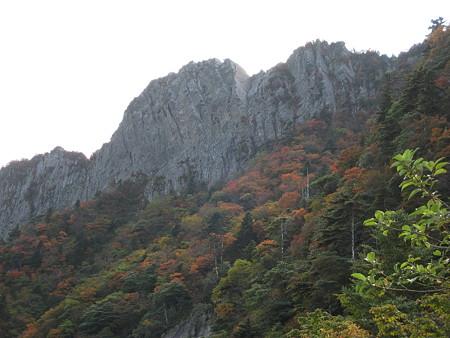 石鎚山北壁と紅葉