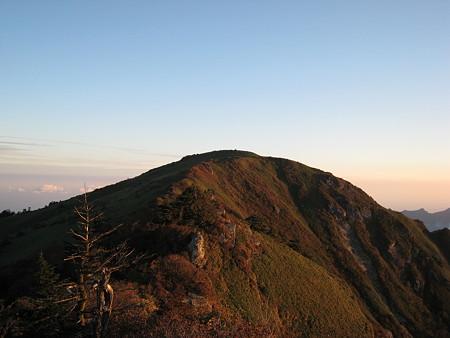 瓶ケ森男山山頂から望む女山
